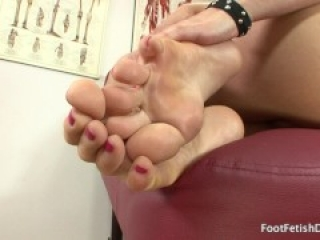 Riley Reid - Foot Fetish JOI