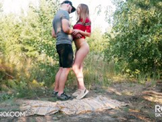 Fuck me Hard in the Forest - Outdoor Blowjob and Doggystyle RosieSkywalker