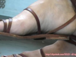 sexy womens candid feet and shoes