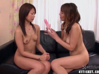 Mature Jun Kusanagi & Young Yuri Aine Join For Sex (Uncensored JAV)